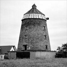 Turmholländer, konisch, Bruchsteinmauerwerk, Haube, ohne Flügel