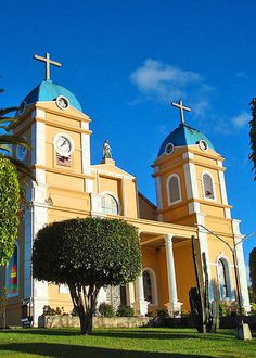 Where to Retire - READ ABOUT COSTA RICA from a midwestern guy who moved there with his wife and all her yarn - haha - wikimedia photo of San Marcos Church in San Jose - PIN NOW READ LATER at http://boomerinas.com/2013/03/costa-rica-retirement-whats-it-like-retiring-to-costa-rica/