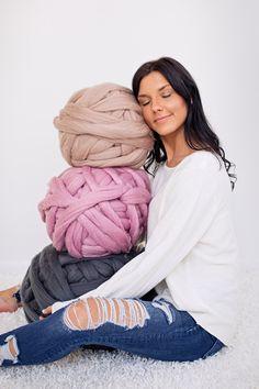 Merino wool Merino wool yarn Chunky yarn Merino Wool Yarn Super bulky yarn Arm knit yarn Merino wool roving Gift for her Birthday gift, crafts crochet arm knitting Merino wool Merino wool yarn Chunky yarn Merino Wool Yarn Super bulky yarn Arm Chunky Knit Yarn, Super Chunky Yarn, Giant Merino Wool Yarn, Merino Wool Blanket, Knit Blankets, Chunky Blanket, Arm Knitting Yarn, Crochet Yarn, Knitting Stiches