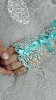 Quelque chose de bleu !!! mitaines bleu bonheur by AMD A COUDRE