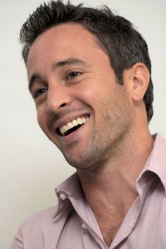 alex oloughlin I love Hawaii Five-O Alex O'loughlin, Hot Actors, Actors & Actresses, Gorgeous Men, Beautiful People, Beautiful Smile, Hawaii Five O, Raining Men, Attractive Men