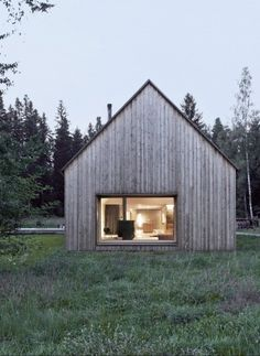 Haus am Moor. Haus am Moor is a minimalist house located in Krumbach Austria designed by Bernardo Bader Architects. Contemporary Barn, Modern Barn, Modern Cabins, Contemporary Windows, Wooden House Design, Wooden Houses, Cabin Design, Scandinavian Home, Scandinavian Architecture