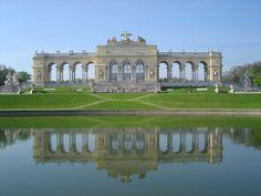 Schoenbrunn Palace    Schönbrunn Palace   OpenBuildings