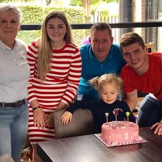 Here we go,Max Verstappen spotted at her little sister Jaye birthday. Little Sister Birthday, Little Sisters, Red Bull Racing, F1 Drivers, Inspiring People, F 1, Formula One, Girlfriends, Childhood