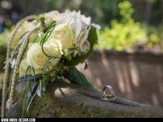 wedding flowers ring rings photography fotografie nmdkdesign bokeh