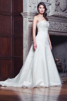 Melissa - Mermaid, Fit n Flare, Organza, Empire, Embellished, Vintage, Train, Strapless, Sparkles, Sweetheart, Ivory, Cream.