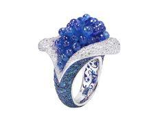 Oggi vi mostriamo i favolosi gioielli per l'estate 2012 di de Grisogono che si ispirano alla natura e con forme morbide davvero uniche e molto raffinate.