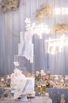 WedLuxe Magazine To the Moon and Back Square Wedding Cakes, Elegant Wedding Cakes, Beautiful Wedding Cakes, Beautiful Cakes, Elegant Cakes, Luxury Wedding, Dream Wedding, Wedding Day, Wedding Stuff