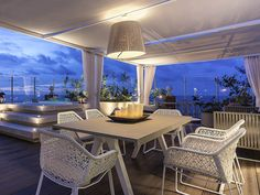 IMPERIAL SUITE AMARAL, 1 King Size Bed, Sea View 5th floor, Vip Treatment, Butler