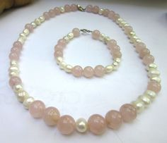 perle naturale cuart roz argint set colier si bratara Baroque, Pearl Necklace, Beaded Bracelets, Vintage, Jewelry, Bead, String Of Pearls, Jewlery, Beaded Necklace