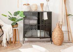 15 negozi di arredamento per la casa che sono ottime alternative IKEA French Country Cottage, Ikea Hack, Home Staging, Pergola, Alternative, New Homes, Interior Design, Bedroom, Decoration