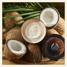 Give your skin a dose of ultra-rich hydration when you apply this nourishing coconut body butter. With 48hr moisturising properties, your skin will stay softer for longer. (Community Trade cold-pressed virgin coconut oil from Samoa, Polynesia) Body Shop At Home, The Body Shop, Body Shop Body Butter, Body Shop Skincare, Beauty Regime, Beauty Kit, Moisturiser, Body Scrub, Sport