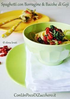 Spagehtti con borragine e bacche di goji! Una creazione che vi stupirà! Trovi la ricetta che su: http://www.goji.it/ricette/primi-piatti/spaghetti-borragine/index.html