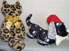 almofada gato de costas e peso de porta cachorro salsicha