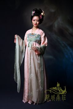 传统汉服独家绣唐图花面料隋唐款齐胸襦裙配诃子飞天玉系列--采樱-淘宝网