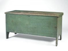 Pine 6-board lift-top blanket chest in original green painted finish. New England, early 19th c. Sold: $1,298 ($1,100)