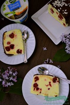 parfe de vanilie cu zmeura si crema de branza Aniversary Cakes, Food Cakes, Something Sweet, I Foods, Parfait, Cake Recipes, Frozen, Food And Drink, Cooking Recipes