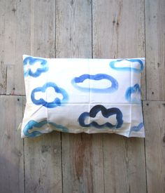 Wolken Kissen // pillow clouds by Petersen via DaWanda.com
