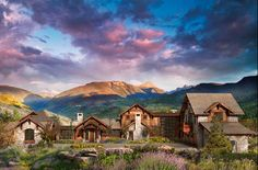 Amazing curb appeal ....stone and log home in the mountains of Colorado