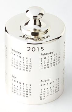 2015 calendar paperweight http://rstyle.me/n/tzpyipdpe