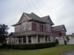 Built in 1909 for  Chester E. Grey.  Located at 2233 H Street, Eureka, California.