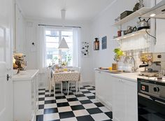 I've loved black & white kitchen floors for as long as I can remember