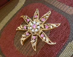 Vintage Gerry's brooch.  Flower with pink stones and pearls. by pnpvintagegeneral on Etsy