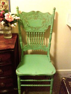 The Weathered Chest: Chairs, painting, and a vintage school desk. Annie Sloan Painted Furniture, Hand Painted Furniture, Refurbished Furniture, Repurposed Furniture, Furniture Redo, Timber Furniture, Upholstered Furniture, Furniture Projects, Vintage Furniture
