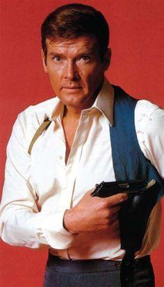 Roger Moore: Daniel Craig is now my favorite James Bond