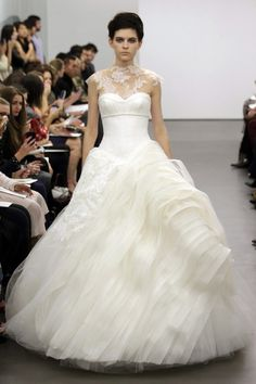 Vera Wang NY Bridal Week transparencia colo