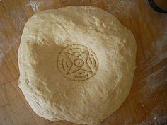 Tashkent Non (Soft, fluffy Uzbek bread):  Recipe to use my new bread stamp! Pastry Recipes, Bread Recipes, Salat Al Fajr, Uzbekistan Food, Kalonji Seeds, Afghan Food Recipes, Cooking Contest, Bread Shaping, Nigella Seeds