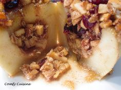 Baked apples with pecans