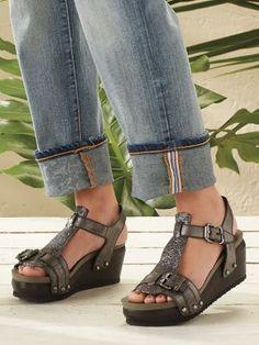 new concept ee95f ce27f Women s Jambu Clementine Sandals