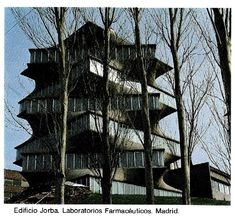 MADRID antiguo. Edificio PAGODA Best Hotels In Madrid, Madrid Travel, Foto Madrid, Art And Architecture, Trip Planning, Places To Go, Spain, Vacation, House Styles