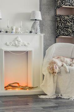 Декоративный камин выполнен из гипсокартона, с последующей финишной отделкой. Shabby Chic Decor Bedroom, Decor, Kid Room Decor, Faux Fireplace Diy, Fashion Room, Fireplace Mantel Decor, Faux Fireplace, Christmas Fireplace, Living Room Designs