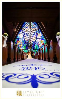 Limelight Photography, www.stepintothelimelight.com, Weddings, Grace Lutheran Church, St. Petersburg, Florida, Aisle, Ceremony, Stained Glass