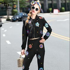 Women's Clothes Sets Flowers Embroidered Flare Long Pants Suit Fashion 2017, Trendy Fashion, Womens Fashion, Fashion Trends, All About Fashion, Passion For Fashion, Fashion Details, Minimalist Fashion, Beautiful Outfits