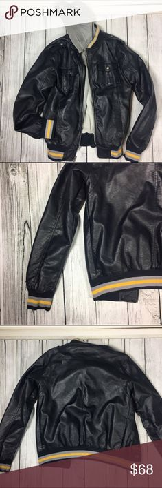 """👨🏻 Faux leather jacket I absolutely loveee this jacket on guys. Got for brother as a gift but it didn't fit 😞. Has never been worn and is in new condition. Has four usable front pockets. Faux leather. Has a bomber/ varsity style to it. Has the illusion that there is a sweater underneath but it is not a full sweater although you could remove by zipper as shown in pictures above the hood and the material that looks like the sweater. MEASUREMENTS: length 26""""  - chest 21.5"""" Jackets & Coats…"""