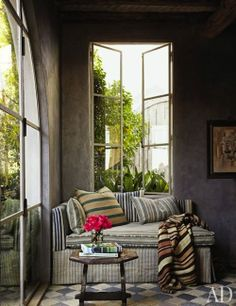 Reading nook ~ LOVE the windows!