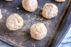 Keto Low Carb Cream Cheese Sausage Balls - #sausageballs - These Low Carb Sausage Balls are Keto friendly and make a delicious appetizer or snack that everyone will enjoy!... Soup Appetizers, Low Carb Appetizers, Appetizers For Party, Cream Cheese Chicken, Cream Cheese Recipes, Quick Snacks, Yummy Snacks, Sausage Cheese Balls, Biscuit Mix