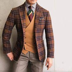 Der Gentleman, Gentleman Style, Gentleman Fashion, Mens Fashion Suits, Mens Suits, Stylish Men, Men Casual, Style Masculin, Designer Suits For Men
