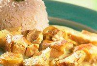 Médaillons de poulet au curry  - Régime avant les fêtes-Diet Avenue - Pour 4 pers. - 400 g de filet de poulet - 2 cuill. à soupe d'huile d'olive - sel, poivre, curry - un jus de citron vert Découper les filets de poulet en médaillons. Préparer une marinade avec l'huile...