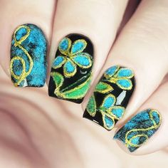 Textile Nail Designs,Denim Nails and Embroidered Nails, Jeans nail style. This one imitates embroide New Year's Nails, Us Nails, Mani Pedi, Pedicure, Plain Nails, Nail Artist, Embroidery Thread, Nail Care, Gel Polish