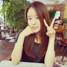 Secret Song Ji Eun Shows Her Cute No Makeup Selfie http://www.kpopstarz.com/articles/98546/20140708/secret-song-ji-eun-shows-her-cute-no-makeup-selfie.htm