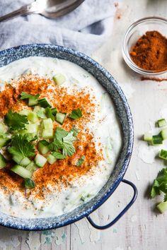 Heerlijke en eenvoudige raita yoghurt dip | simoneskitchen.nl