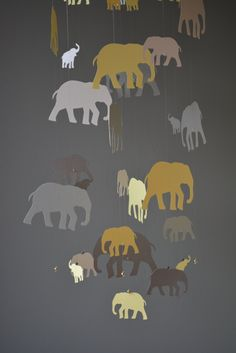 Elephant nursery mobile or baby mobile made from soft yellow and grey shades card stock -- Handmade mobile, baby gift or nursery decor door SierGoed op Etsy
