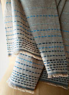 Sjaal of tafelkleed versieren met borduurgaren