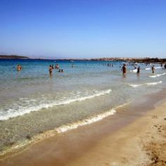 One of the most well-known beaches of the island, the favorite of the youth, since it combines entertainment with sports. On the one hand you can enjoy the friendly atmosphere of the modern beach bar and endless hours of sunbathing on the white. Paros Beaches, Santa Maria Beach, Beach Bars, Greek Islands, Greece, In This Moment, Vacation, Water, Holiday