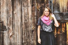 Foulard Infini Rose  Pink infinity scarf par echarpesetbelles, 25,00$ Pink Roses, Leather Skirt, Infinity, Crochet Necklace, Skirts, Collection, Fashion, Scarf Head, Fall
