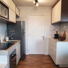 mão Decor, Beautiful Kitchens, Beautiful Kitchen Designs, Kitchen Remodel, 1960s Kitchen, Small Kitchen Organization, Home Decor, Kitchen Remodel Checklist, Kitchen Design
